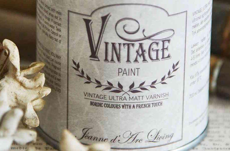 dare una vernice protettiva alla vintage paint